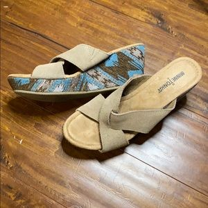 Minnetonka Kylie Slide Taupe Suede Baja Fabric